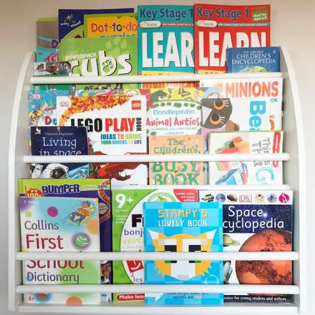 Decluttering Kids Bookshelf