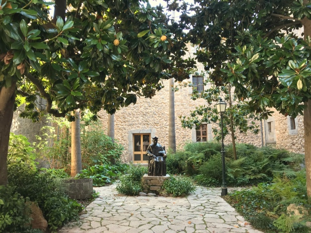 Monestir de Lluc Gardens